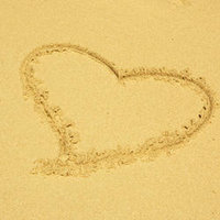 CC09 Heart in Sand